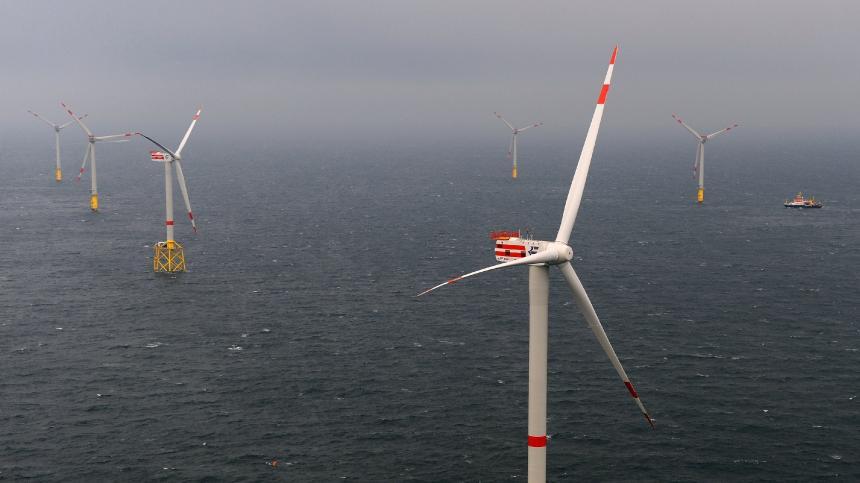 Erster deutscher off-shore Windpark alpha ventus vor Borkum